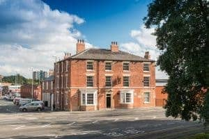 Eagle Tavern Leeds: Samuel Smiths Brewery Pub with B&B Hotel Accommodation in Leeds